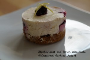 Blackcurrant and lemon cheesecake